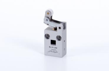 Hafner 3/2 way roller lever valve with idle return - BL-311-2
